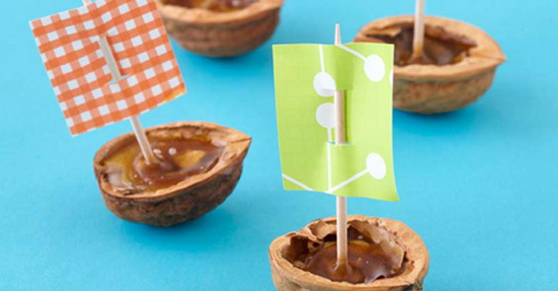 Come preparare le barchette con i gusci di noce - How to make small boats with walnut shells